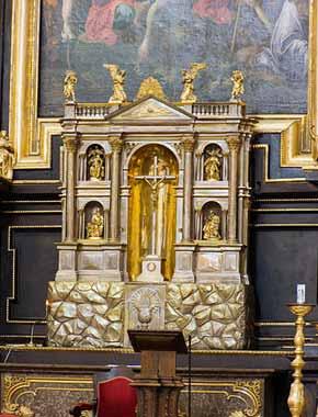 Widok na katedrę z Wieży Trynitarskiej