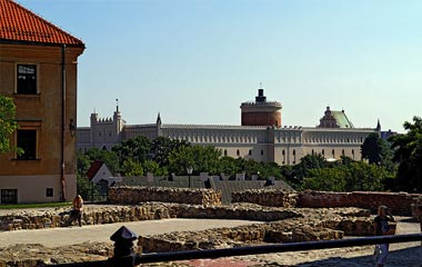 Widok na Zamek Lubelski z Placu po Farze