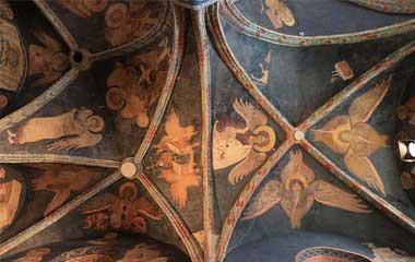 Freski na sklepieniu nawy kaplicy