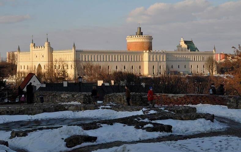 Zamek w Lublinie widok z Placu Po Farze